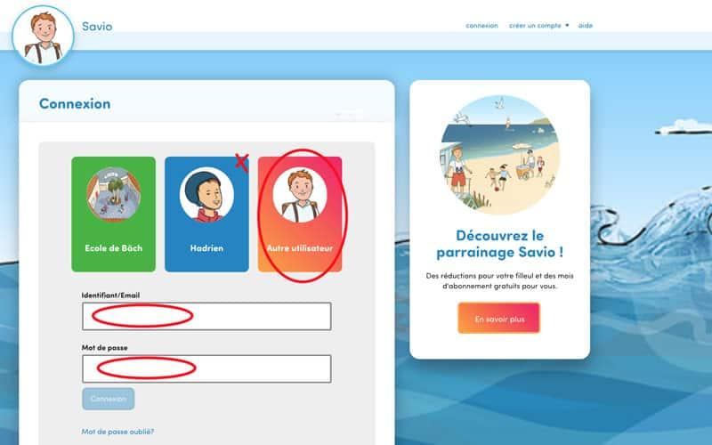 Passez la souris sur le coin en haut à droite de la carte de connexion.  2. Cliquez sur la petite croix qui apparait.  3. Ensuite, connectez-vous en cliquant sur la carte « Autre utilisateur » ou, si aucune carte n'apparait, en remplissant les champs de première connexion : « Identifiant » avec le nouvel identifiant choisi et « mot de passe » .