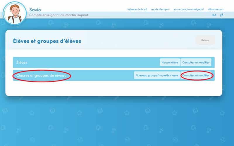 Cliquez directement sur « Classes et groupes de niveau » ou sur « Consulter ou modifier » sur cette même ligne.