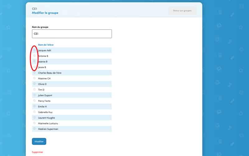 Cliquez sur le ou les élève(s) que vous souhaitez ajouter. Une croix verte s'affiche. Appuyez sur « Modifier ».